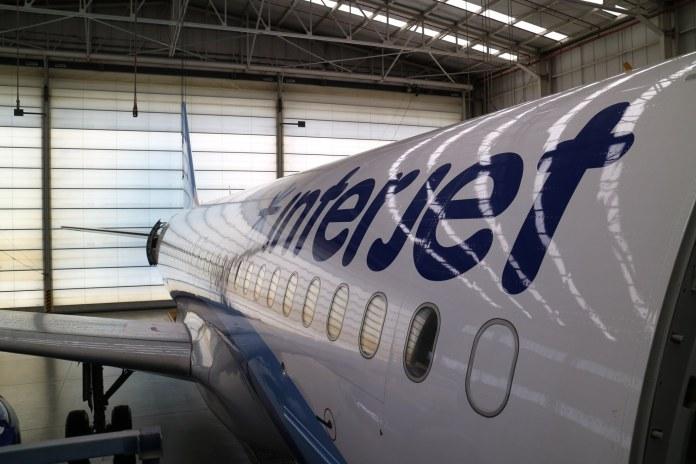 Reconoce Interjet adeudo; dialoga con aeropuerto de Chicago