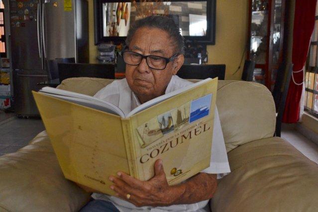 Velio Vivas, cronista de Cozumel, dejó un gran legado a nivel académico y cultural.