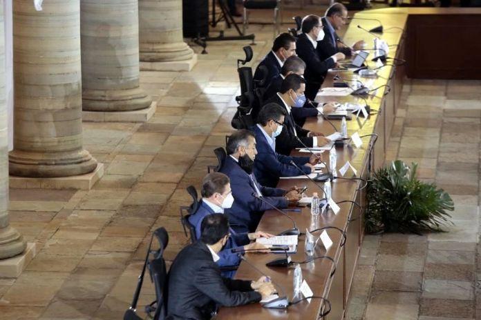 Emplazan a López Obrador por Convención Hacendaria