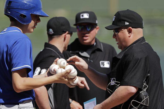 MLB pierde umpires por temor a Covid-19