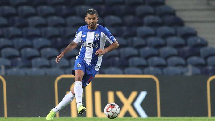 'Tecatito', décimo mexicano en ganar dos ligas en Europa