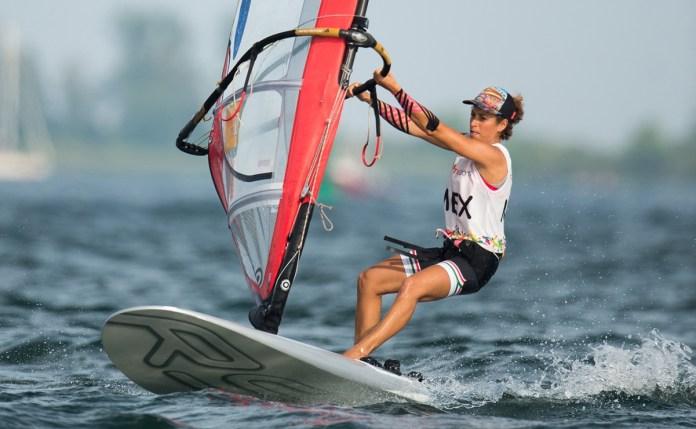 Anima Demita Vega a atletas de Q. Roo