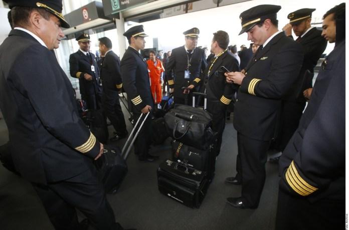 Exigen pilotos de Aeroméxico nuevo acuerdo