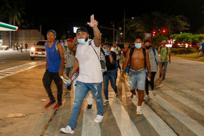 Sale de Honduras nueva caravana de migrantes