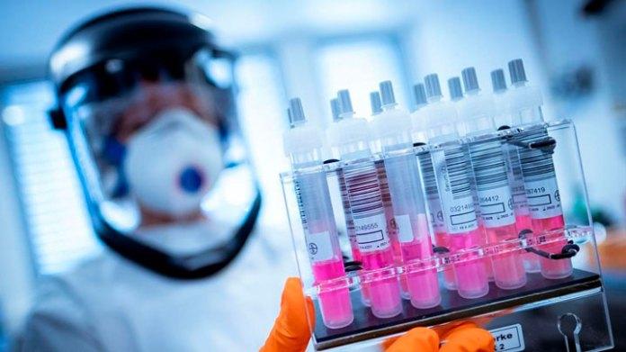Mercado de vacunas: 'subasta' en torno al Covid-19
