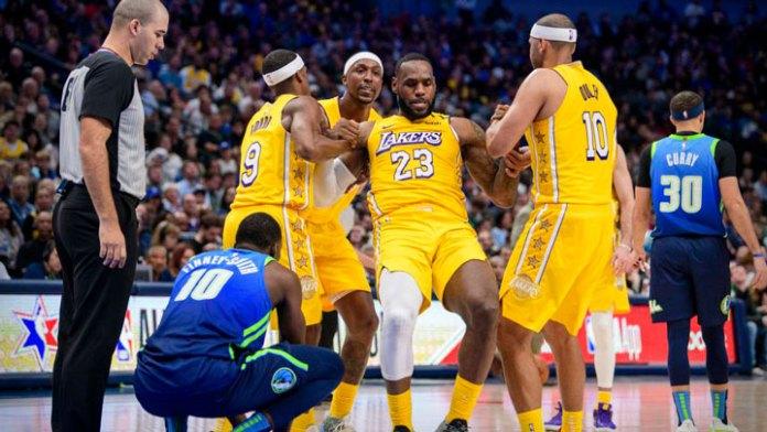 Lakers arman nuevo equipo para suplir bajas