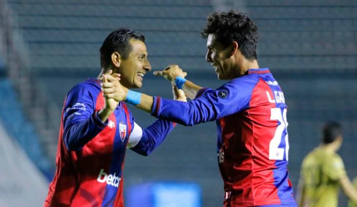 Alcanza Lizandro los 140 goles
