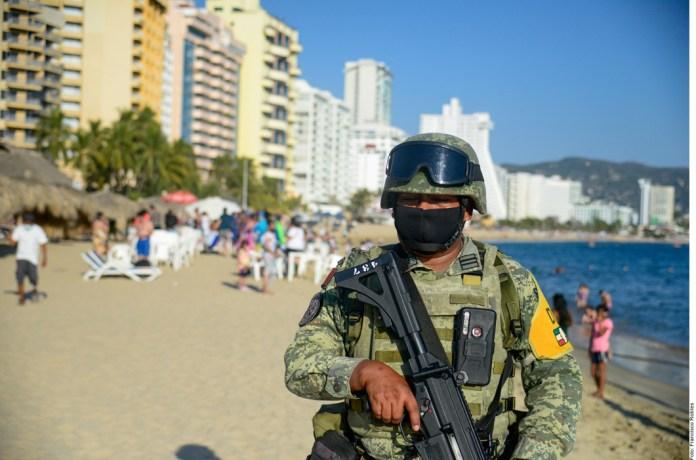 Insiste AMLO: no hay militarización