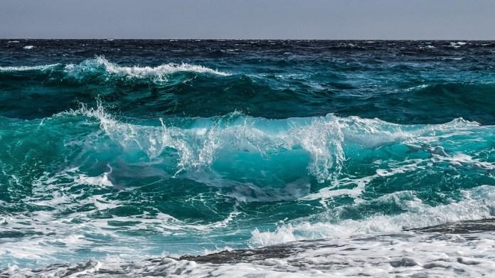 Amaga el océano por elevado calor