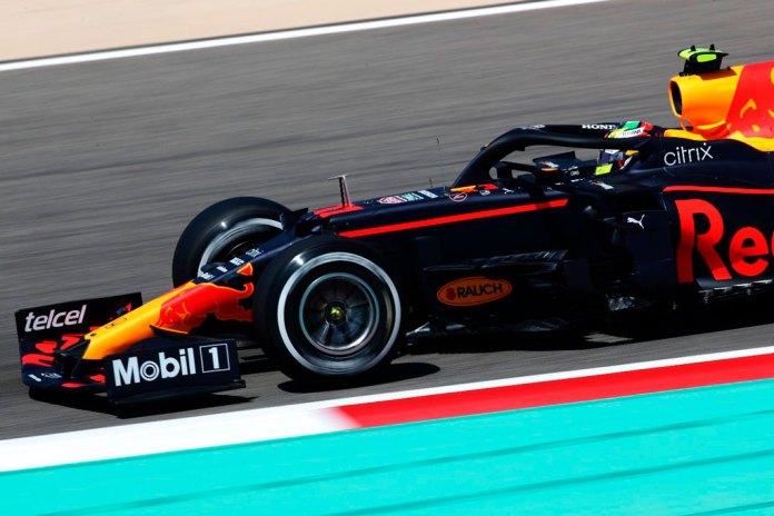 Sufren 'Checo' Pérez y Red Bull debuts sin podio