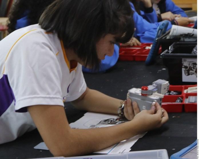 Urge OCDE integrar a mujeres en las TIC