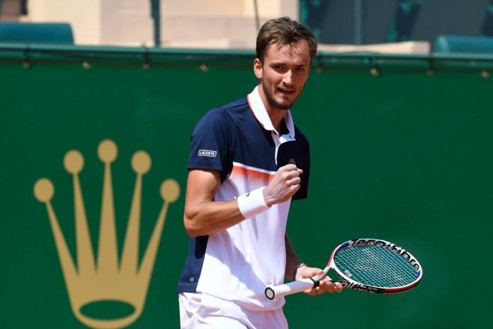 Molestan a Medvedev torneos de tierra batida