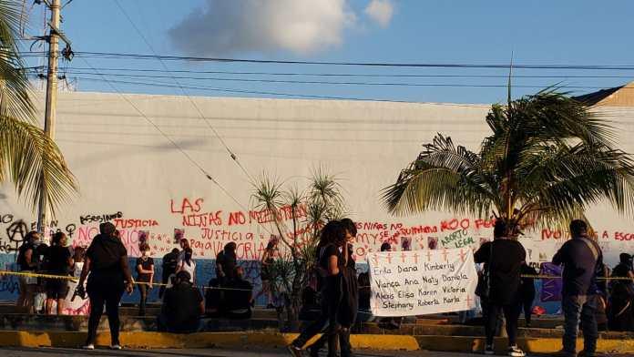Protestan contra los feminicidios en FGE QR