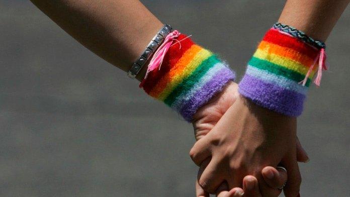 Conoce Derechos Humanos casos de homofobia en QR