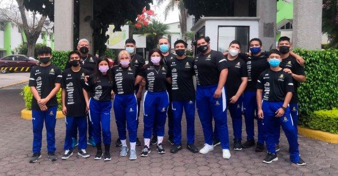 Viaja equipo de luchas a Selectivo Nacional