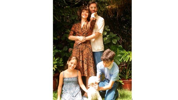 Derrama Isabel Allende lágrimas de amor