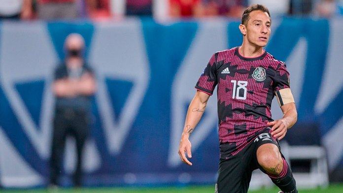 Sufre México con la pelota parada