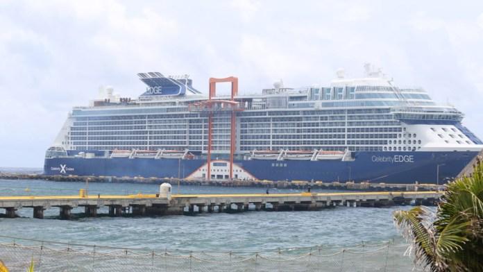 Alivio en Mahahual, llegó el primer crucero