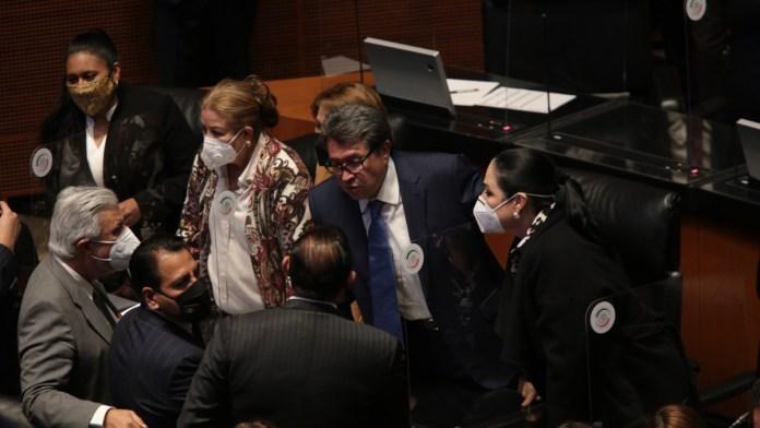 Se enfrentan legisladores de la 4T