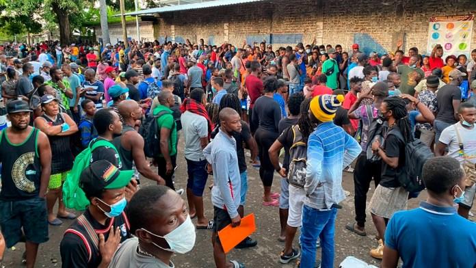 Arman haitianos tianguis migrante