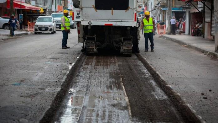 Aplican recursos en obra para tres avenidas en Cancún