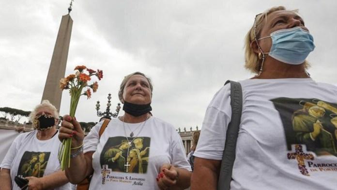 Honra el Papa a los adultos mayores