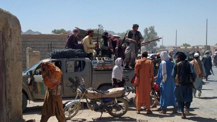 Manda EU tropas a Afganistán; evacúa Embajada
