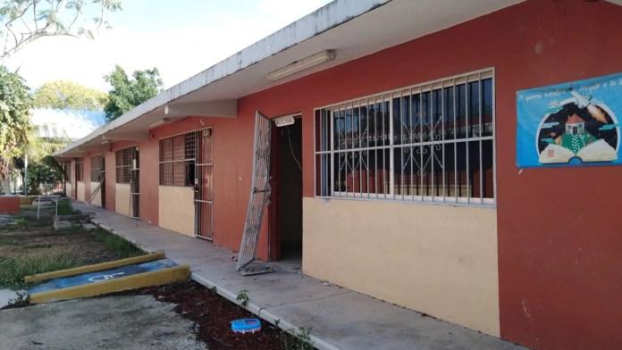 Dejó el huracán daños menores en 30 escuelas
