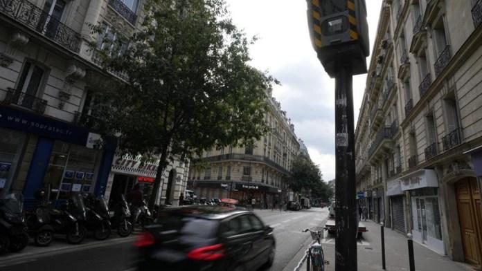 Ponen freno a automovilistas en París