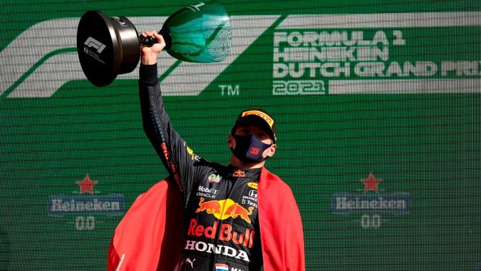 Lidera Verstappen la F1; triunfa en Países Bajos