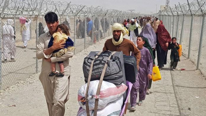 Enfrenta UE dilema: ¿recibir a afganos?
