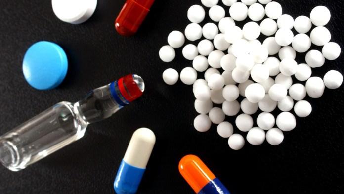 Retrasan regulación de medicinas en México