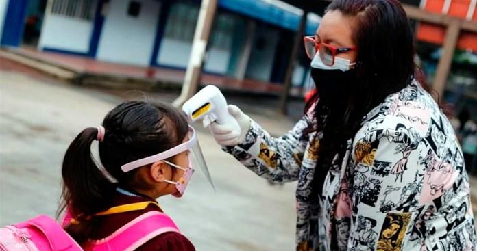 Cierran 39 escuelas por casos Covid