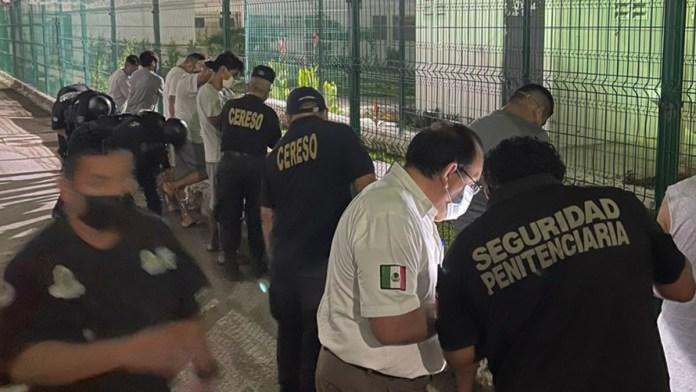 Cambian a 100 reclusos de Playa del Carmen a Chetumal