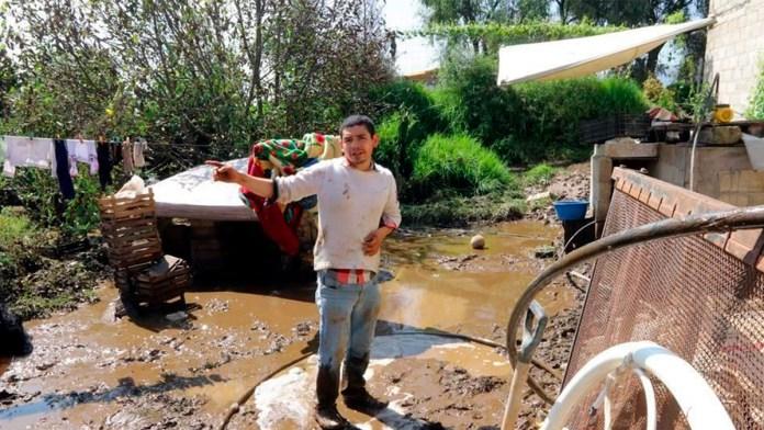 Desborda río en Edomex y afecta 44 casas
