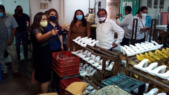 Zapateros de Yucatán muestran interés por participar en recinto de Chetumal