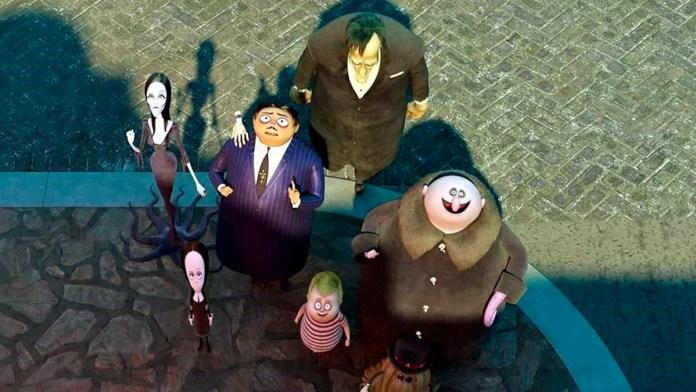 Abrazan 'Los Locos Addams 2' su universo