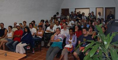 Más de cien asistentes al lanzamiento de La revolución traicionada en Cuba