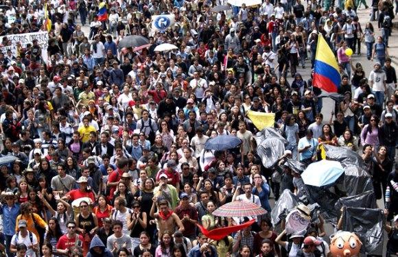 Colombia: Bajar al gobierno paramilitar…En 2008 hubiéramos podido. En 2009, una nueva oportunidad