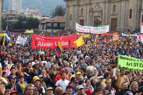 Colombia: Desaceleración económica, crisis polìtica y agudización de la lucha de clases