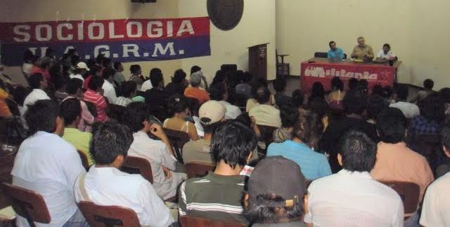 Éxito memorable de la gira de Alan Woods en Bolivia