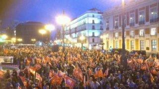 Los piquetes reunidos en la Puerta del Sol, tres horas antes del comienzo de la huelga