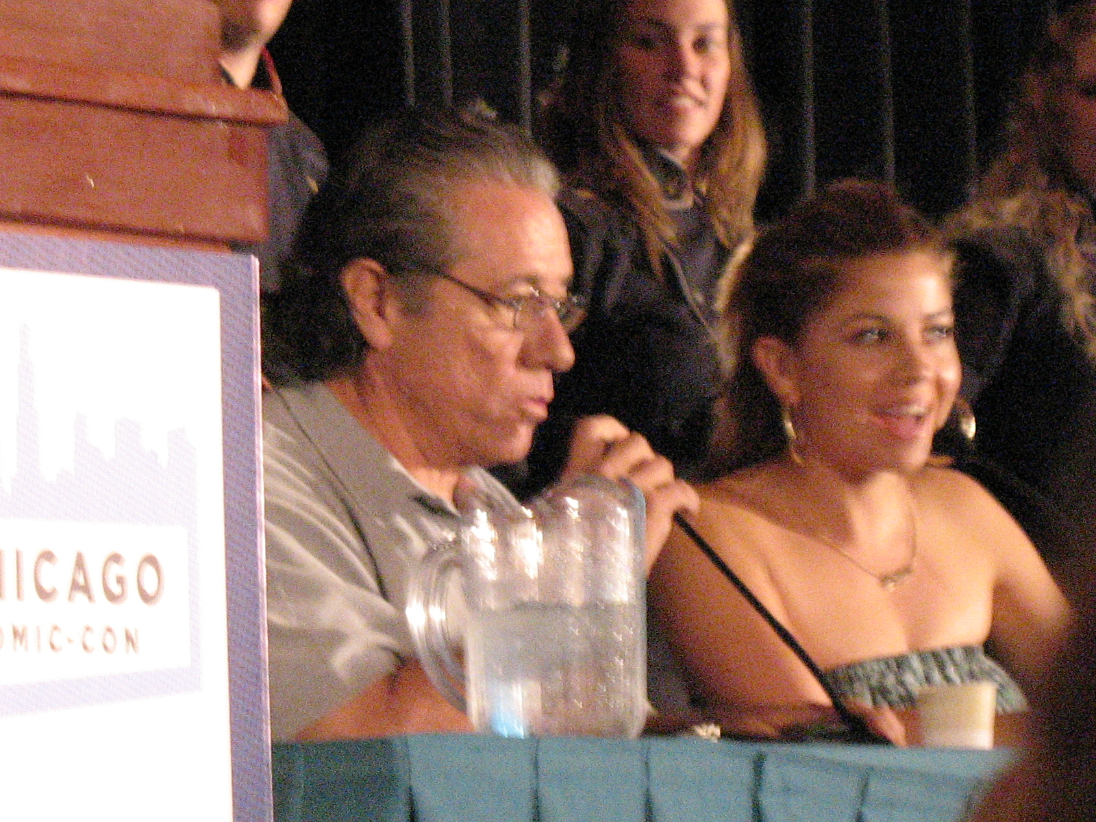 Luciana Carro and Edward James Olmos at Chicago Comic-Con (photo by markatisu)