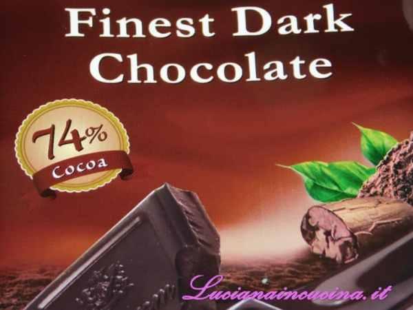 Prendere il cioccolato fondente con almeno il 70% di cacao.