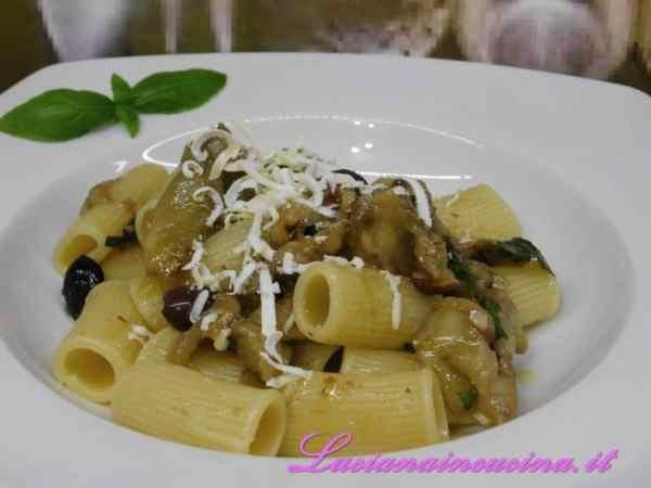 Portare in tavola come antipasto, come contorno o, perchè no, come condimento per la pasta aggiungendo una grattugiata di ricotta salata.