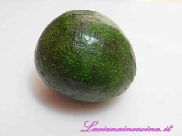 Lavare l'avocado.