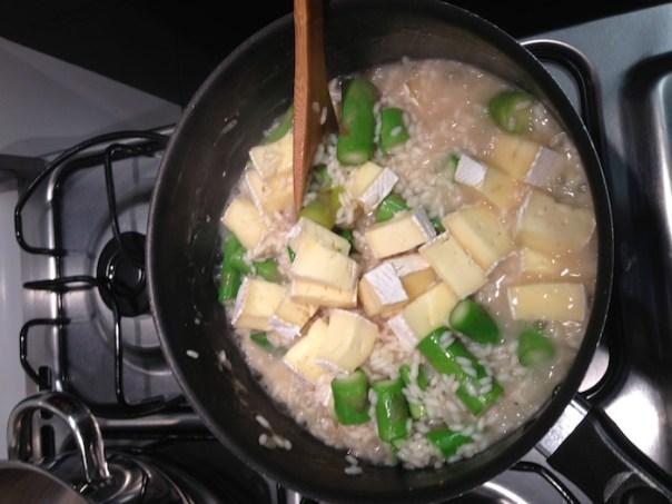 receita de risoto de aspargos com brie