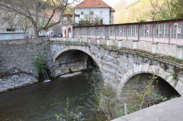 Podul istoric (acoperit) peste Cerna