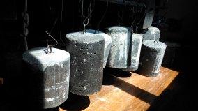 Gewichte am Webstuhl - Weights for the loom