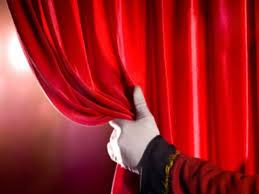 {:en}Stage and Background{:}{:it}Palcoscenico e Retroscena{:}